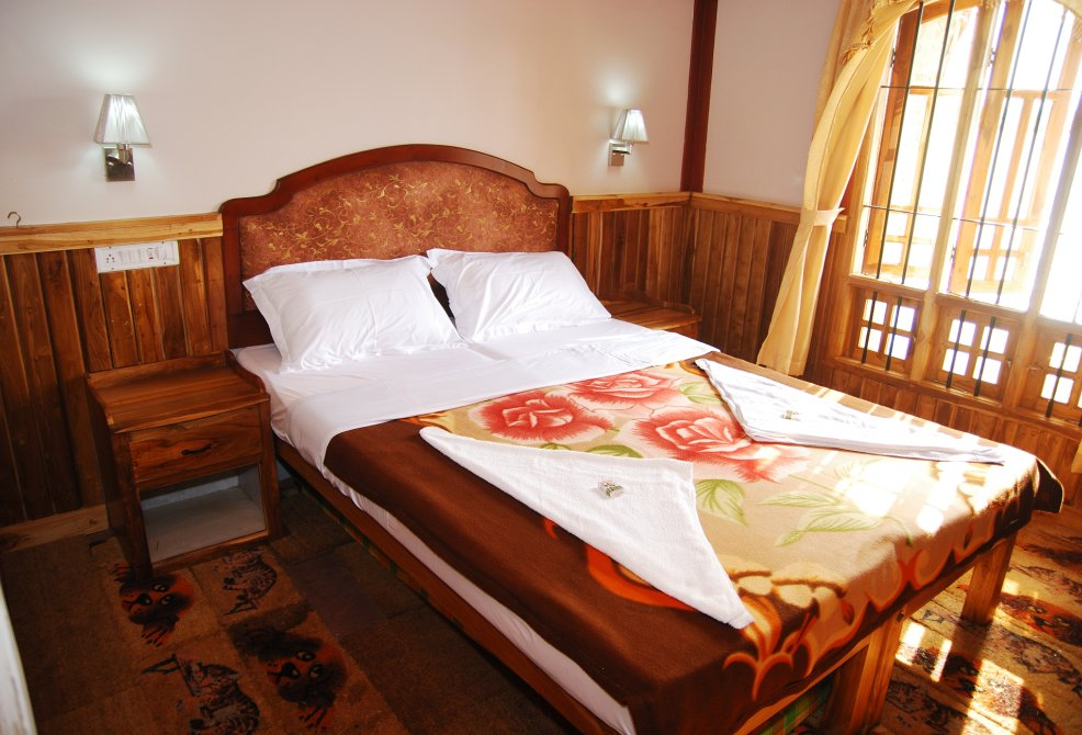 2 Bedroom Alleppey Houseboat