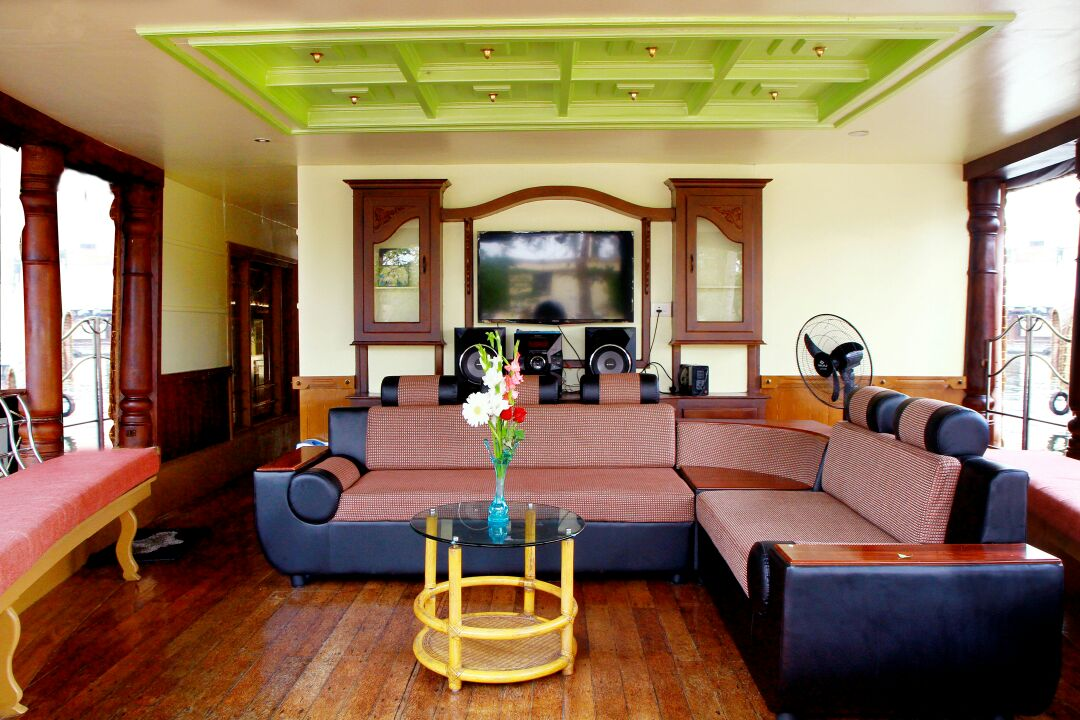 Alleppey Houseboat Front Area
