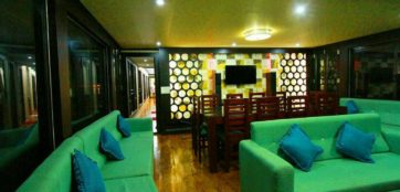 Lobby area in alleppey houseboat