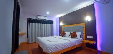 Bedroom in alleppey houseboat