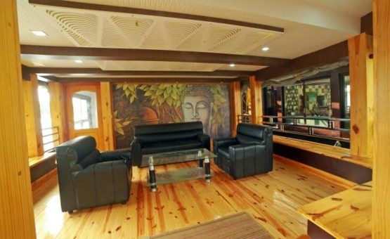Front area in Alleppey Houseboat