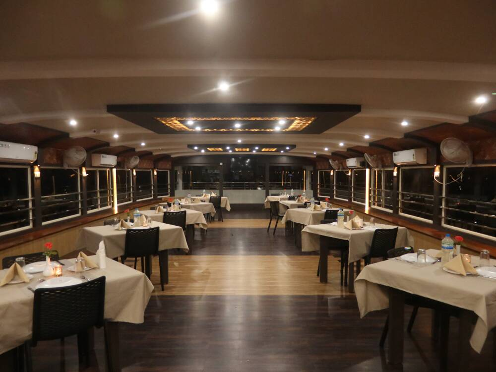 Dining Hall in Alleppey Houseboat