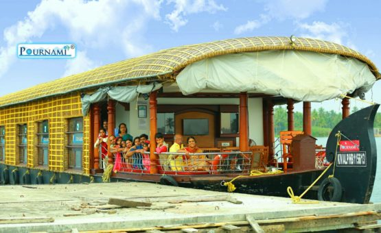 Family get together in Alleppey Houseboat