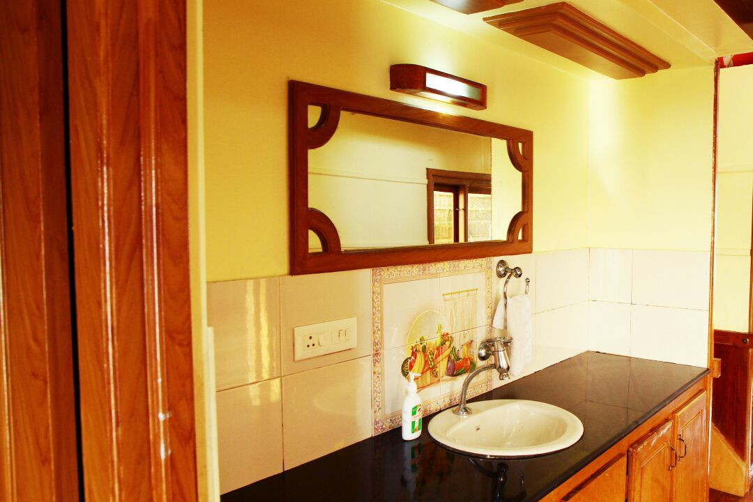 Wash area in alleppey houseboat