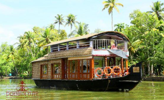 Upper deck alleppey houseboat