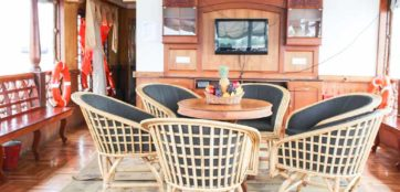 Front area of a houseboat